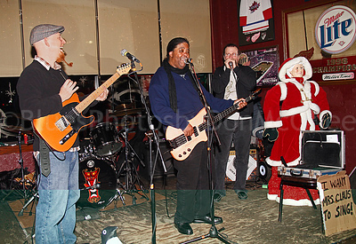 Erich Goebel, James Cloyd Jr, Dale Robertson, Mrs Claus