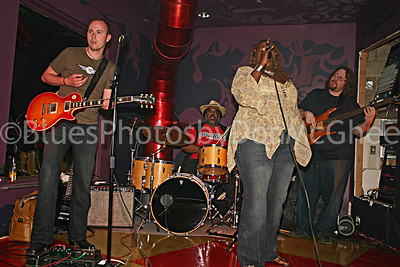 "Brett Lucas, Terry ""Thunder"" Hughley, Thornetta Davis, Chuck Bartels Buzz Bar Detroit 2006"