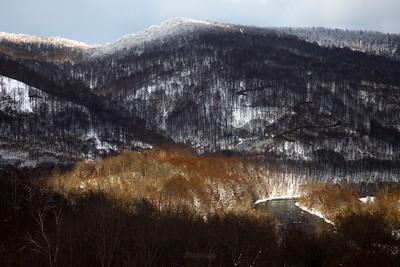Dolina Sanu pod Otrytem w słonecznym, przedwiosennym oknie Bieszczady ©Mateusz Matysiak