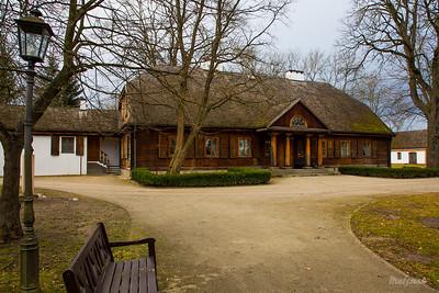 Dwór Modrzewiowy z początku XIX w. Radziejowice ©Agata Katafiasz-Matysiak