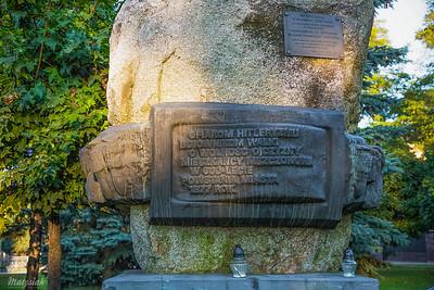 Pomnik Ofiarom Hitleryzmu przy ul. Grójeckiej w Mszczonowie ©Agata Katafiasz-Matysiak