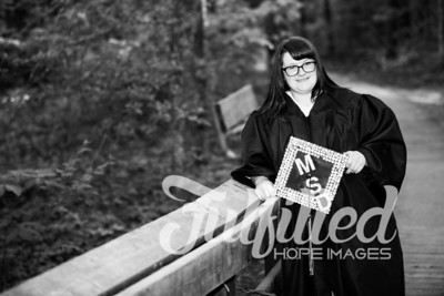 Mikayla Duffel Cap and Gown Session (27)