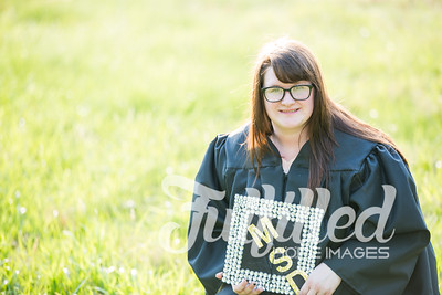 Mikayla Duffel Cap and Gown Session (35)