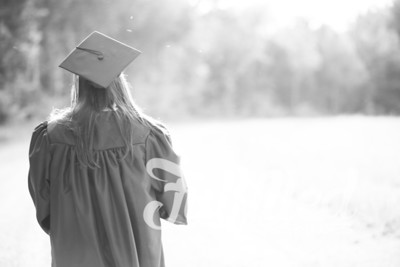 Mikayla Duffel Cap and Gown Session (39)