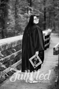 Mikayla Duffel Cap and Gown Session (23)