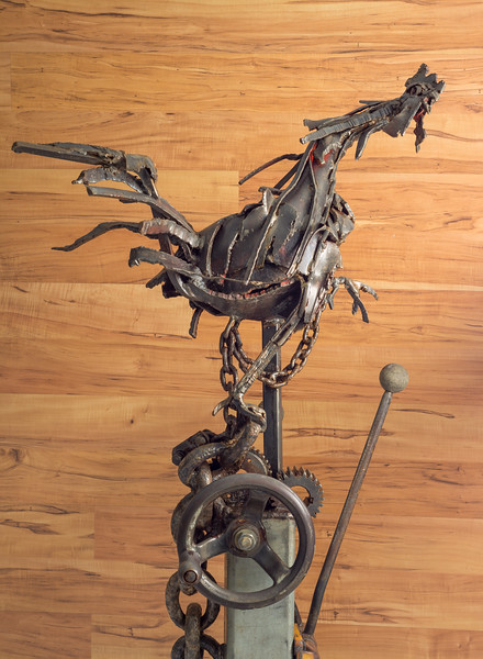 """""""Who's in Charge"""" Rooster by sculptor Mike Hintermeister ."""