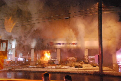 Multiple Alarm Grocery Store Fire - Top's IGA Market, Southington, CT - 3/3/19