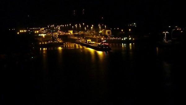 2010-12-15 Panama Canal Transit
