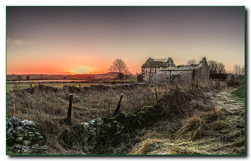 SUNRISE OVER ELTON BARN