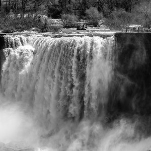 2017-04-29_Niagara_Waterfalls_01