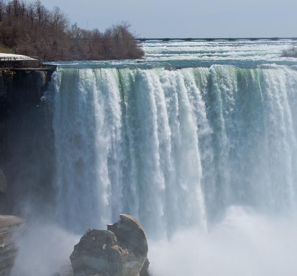 Niagara April - 06