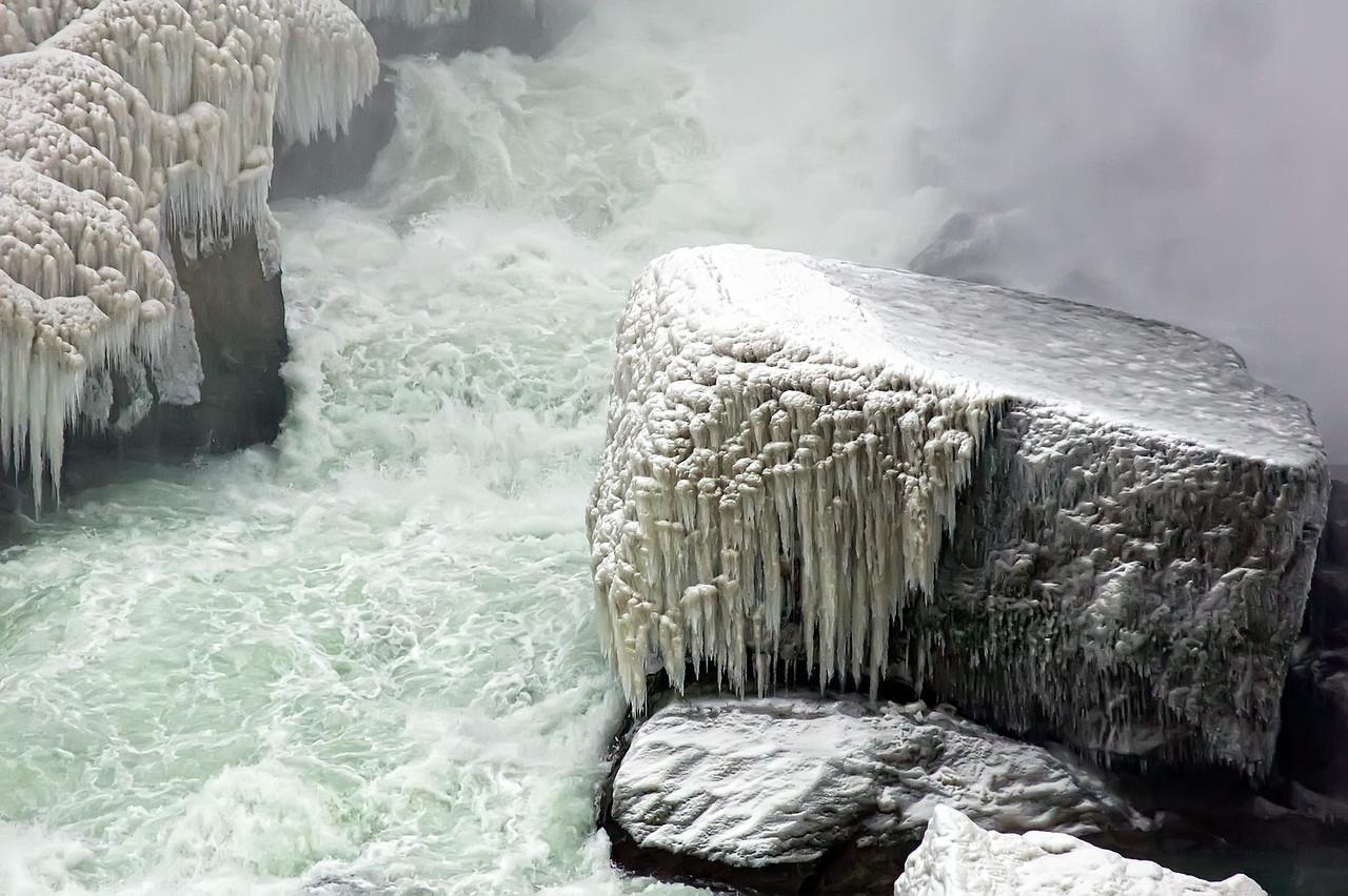 2010-12-20 - Niagara - 21