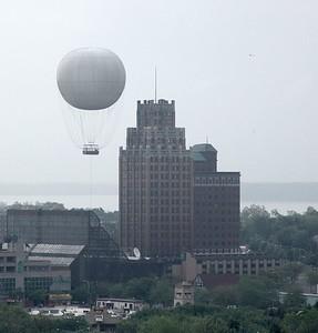 Niagara - Balloon on USA Side