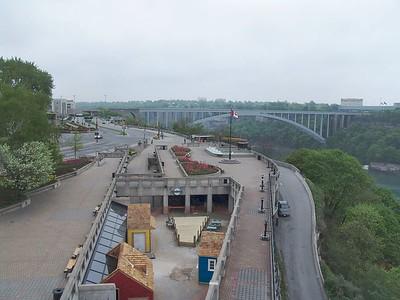 Niagara - Walkway and Bridge