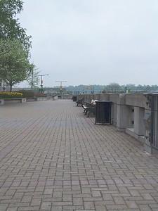 Niagara - Walkway 01