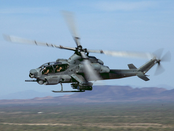 AH-1Z Cobra during WTI 1-07 in Yuma, AZ.