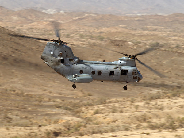 A CH-46 departs OP Feets in the Chocolate Mountains during WTI 1-07