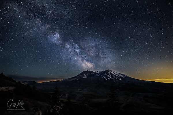 Made from 12 light frames (captured with a Canon camera) by Starry Landscape Stacker 1.6.1.  Algorithm: Median