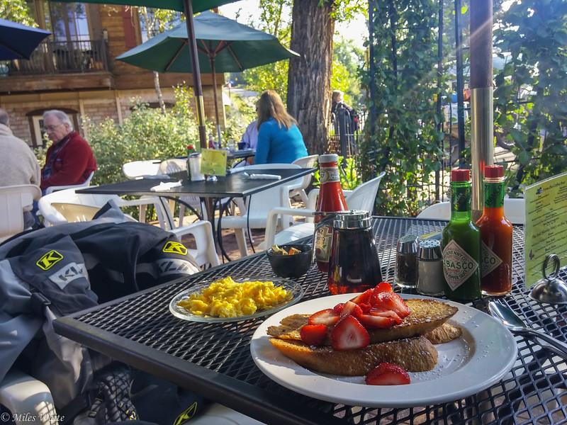 Wonderful FOOD! My absolutely incredible breakfast in Steamboat Springs. Yummy.