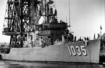 DD1035 bow