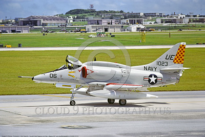 A-4USN-VC-5 0001 A taxing Douglas A-4E Skyhawk USN 151023 VC-5 CHECKERTAILS UE code 1977 military airplane picture by Hideki Nakagubo