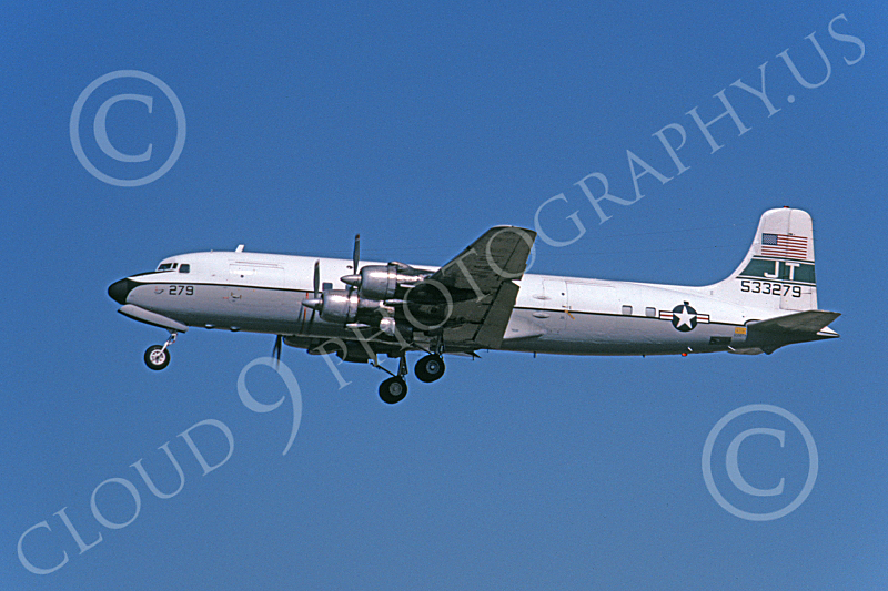 C-118USN 00026 A taking-off Douglas C-118B Liftmaster USN 533279 JT code 3-1982 military airplane picture by Michael Grove, Sr