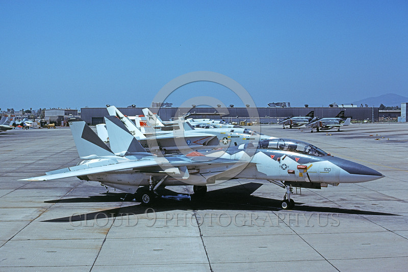 F-14USN-VF-1 0059 A static USN Ferris color scheme Grumman F-14 Tomcat jet fighter VF-1 WOLFPACK NAS Miramar 6-1977 military airplane picture by Mick Roth