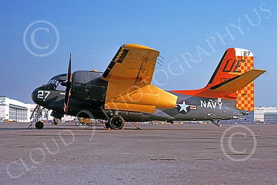 S-2USN 00019 A static Grumman US-2C Tracker USN 133345 UE code NAS Alameda 12-1976 military airplane picture by Michael Grove, Sr