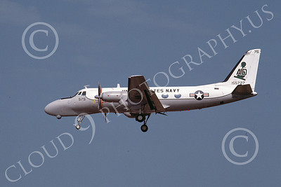 TC-4CUSN 00040 A landing Grumman TC-4C USN 155727 AD code 6-1986 military airplane picture by Keith Snyder