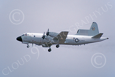 EP-3USN 00004 A landing Lockheed EP-3A Aries USN 150522 9-2001 military airplane picture by Michael Grove, Sr