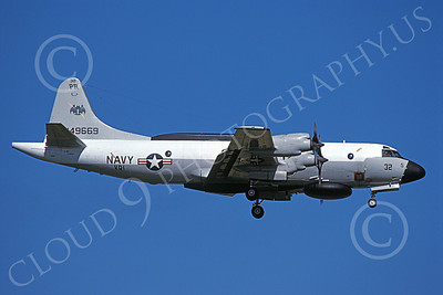 EP-3USN 00068 A landing Lockheed EP-3E Aries II USN 149669 VQ-1 WORLD WATCHERS PR code 8-1984 military airplane picture by Toshiki Kudo