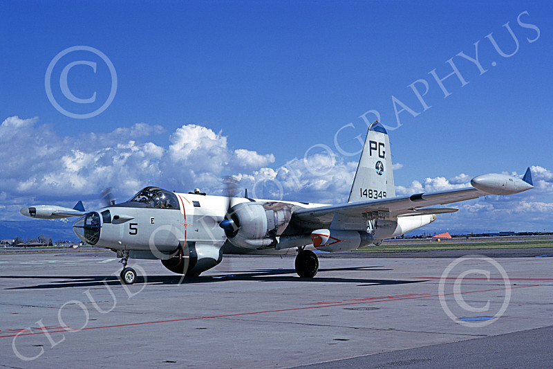 2USN%2000041%20A%20taxing%20Lockheed%20P-2J%20Neptune%20USN%20148349 ...