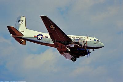 C-117USMC 004 A landing Douglas C-117D Super Dakota, USMC 17124, SZ tail code, tansport airplane, 3-1976 Atsugi, by Hideki Nagakubo via Stephen W  D  Wolf coll   CCC_2005  Dt