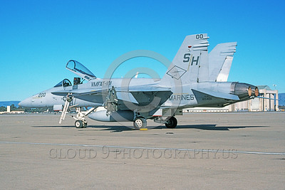 F-18USMC-VMFAT-101 0025 A static McDonnell Douglas F-18C Hornet USMC 165408 VMFAT-101 SHARPSHOOTERS commanding officer's plane NAS Moffett 1-2001 military airplane picture by Tom Chee