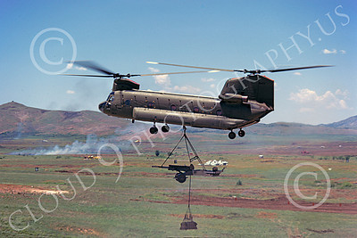 CH-47USA 00002 A flying Boeing CH-47D Chinook US ARMY helicopter picture 4-1976 by Don Logan