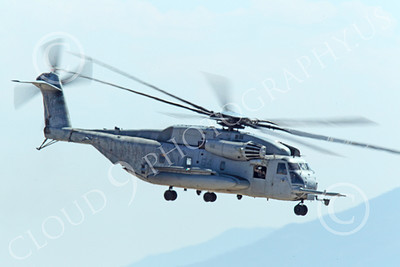 CH-53EUSMC 00034 A flying USMC Sikorsky CH-53E Super Stallion, military helicopter picture, by Peter J Mancus