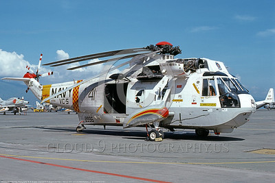 SH-3USN-VC-5 001 A static Sikorsky SH-3G Sea King USN 148996 VC-5 CHECKERTAILS Cubi 9-1978 military helicopter picture by R R Burgess     DONEwt