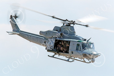 UH-1Y USMC 00010 A flying USMC Bell UH-1Y Huey Venom helicopter picture, by Peter J Mancus