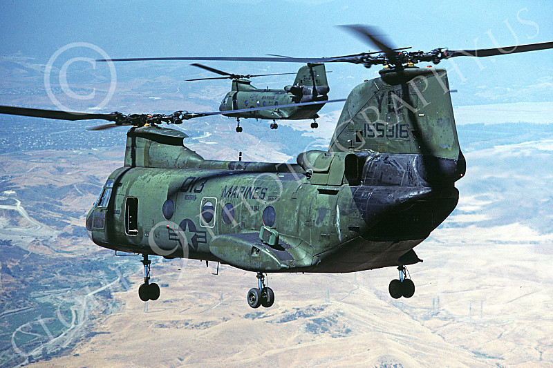CH-46USMC 00046 A flying Boeing CH-46E Sea Knight USMC helicopter picture 4-1985 by Peter J Mancus