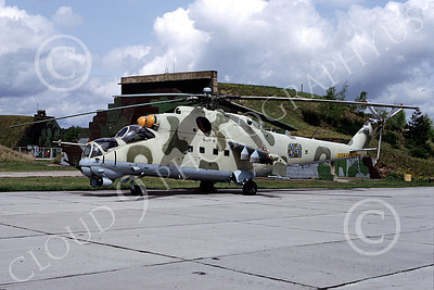 Mi-24 00003 A static Mil Mi-24D Hind attack helicopter Soviet Air Force 6-1992 by Marinus Tabak