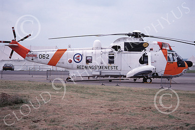 Westland Sea King 00001 A static Westland WS-61 Sea King Norweigian Air Force helicopter picture 7-1981 by Wilfried Zetsche
