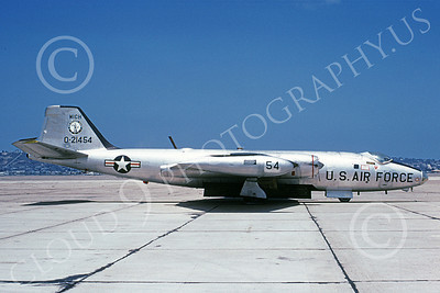 B-57ANG 00021 A static bare metal Michigan ANG Martin B-57 Canberra 521454 NAS North Islalnd 10-1980 airplane picture by Michael Grove, Sr