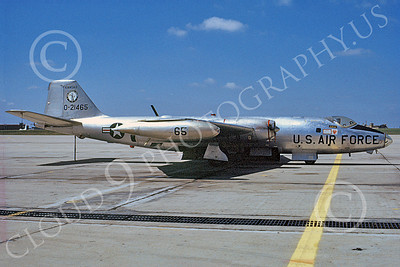 B-57ANG 00025 A static bare metal Kansas ANG Martin B-57 Canberra 21465 9-1971 military airplane picture by Bill Malerba