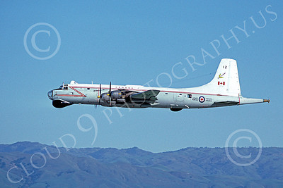 Canadir CP-107 Argus 00006 A flying RCAF Canadir CP-107 Argus 712 1-1980 military airplane picture by Michael Grove, Sr