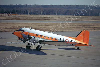 C-47Forg 00014 A taxing C-47 Skytrain Italian Air Force 12-1981 airplane picture by Ciarini Aldo