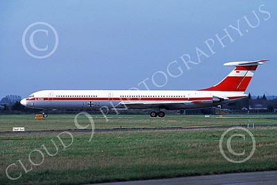 Il-62 00001 A static Ilyushin Il-62 Classic German Air Force 11 22 4-1991 military airplane picture by W Greppmeir