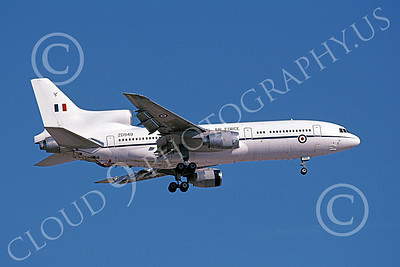 L1011Forg 00004 A landing Lockheed L1011 Tristar British RAF ZD949 9-2004, airplane picture, by Michael Grove, Sr
