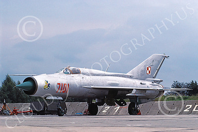 MiG-21 00081 A static MiG-21 Fishbed jet fighter Polish Air Force 7101 9-1991 military airplane picture by Gary Castagnola