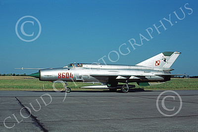 MiG-21 00075 A taxing MiG-21 Fishbed Polish Air Force 8604 7-1998 military airplane picture by Ralf Jahnke
