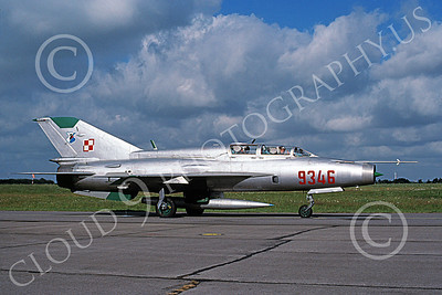 MiG-21U 00013 A taxing MiG-21U Mongol Polish Air Force 9346 7-1998 military airplane picture by Richard Twitchell 9 30 53 PM
